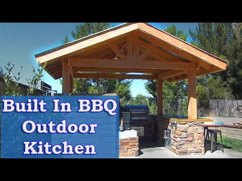 Built-in BBQ  -  Outdoor Kitchen