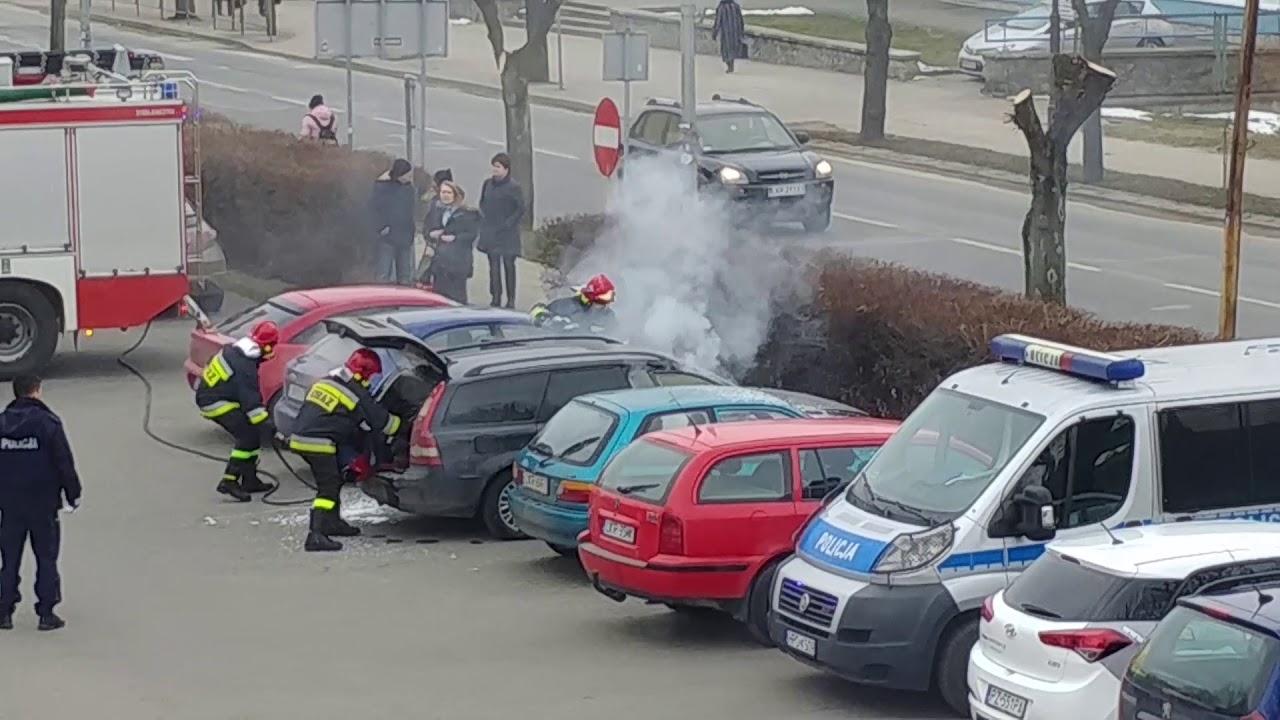 Mąż zamordowanej 41-latki odnaleziony w płonącym samochodzie. Nagranie świadka zdarzenia