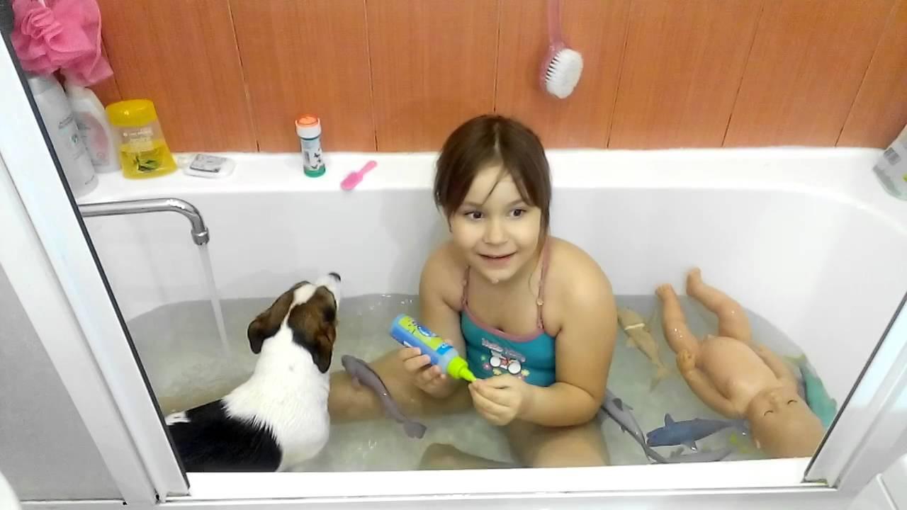 Видео голые девочки купаются в снегу фото 667-612