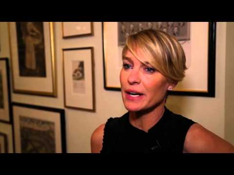 Robin Wright wants to sing karaoke with President Obama