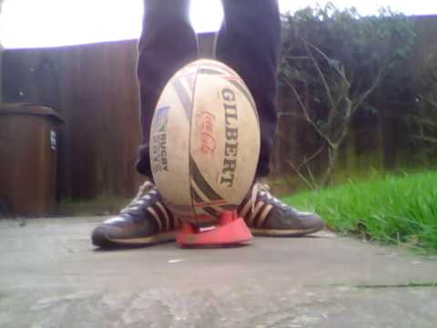 HOW TO KICK A RUGBY BALL OFF A SMALL AND BIG KICKING TEE !