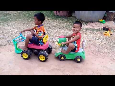เล่นรถ แม็คโครตักดิน รถเป็ด รถของเล่น Kids Playtime