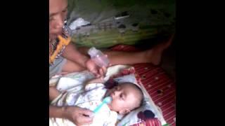 Repeat youtube video Daffa irawan putra minum susu sama nenek