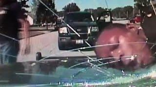 """""""فيديو"""" شاهد الشرطة الأمريكية تُحطم زجاج سيارة برأس رجل أسود أثناء اعتقاله"""