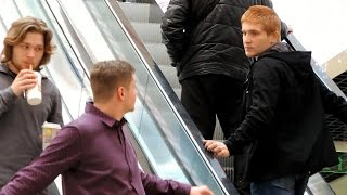Пранк: Гей и Лесби пикап на эскалаторе / gay and lesbian pickup on the escalator