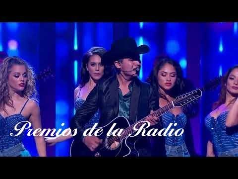 Ulices Chaidez Quería que lloraras y con Kevin Ortiz Corona de Rosas Premios de la Radio 2017