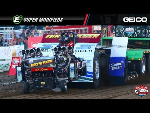 PPL 2018: Super Modified tractors pulling in Freeport, IL on Night 2