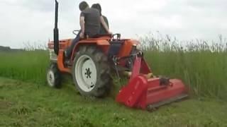 Kubota B1600 mały traktorek ogrodniczy z kosiarką bijakową. www.traktorki.waw.pl