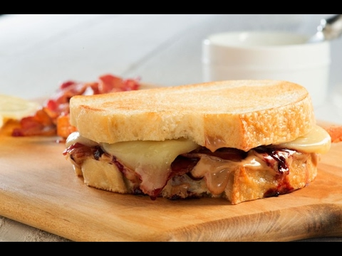 90 Second Peanut Butter And Jelly Grilled Cheese With Bacon Youtube