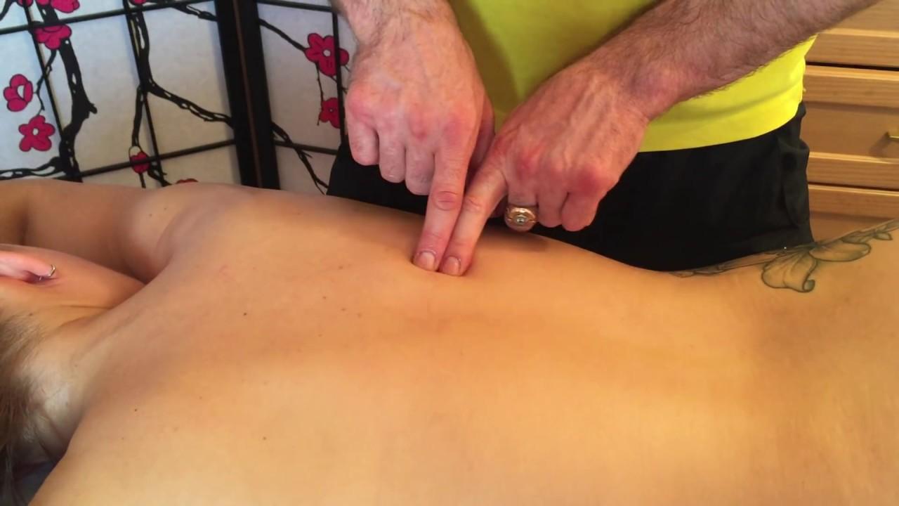 Как убрать боли в спине, как вылечить остеохондроз и радикулит с помощью массажа! Обучение.