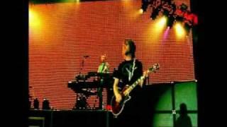 Maroon 5-  Hello Live