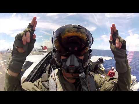 Así se ve el mundo desde un F-18 de la Armada de los Estados Unidos