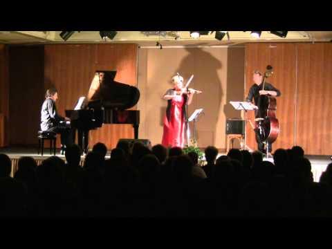 Oblivion (A.Piazzolla) - I.Cudek(vl) M.Manhart(p) C.Lachotta(b)