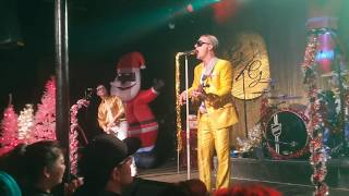 """Me First Gimme Gimmes """"I Saw Mommy Kissing Santa Claus"""" Christmas show at Slim's SF 12/15/19 live"""