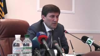 Губернатор о вони в Донецке(, 2013-05-27T12:22:45.000Z)