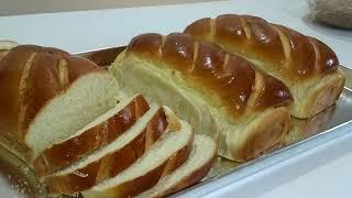 Pão Caseiro Simples De Massa Adocicada