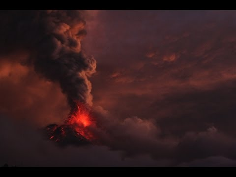 2014 Witnessing a Volcano Eruption in Ecuador, South America by wheelchairtraveling.com