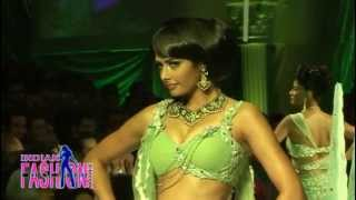 vuclip Erotic Desi Babes Huge Cleavage Shows