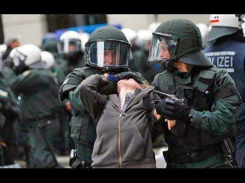 Polizisten und Soldaten sind Haussklaven