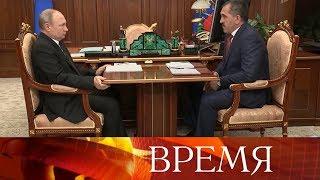 Владимир Путин принял отставку главы Ингушетии Юнус-Бека Евкурова.