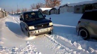 Mitsubishi Pajero Mini по снегу