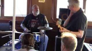8. Sven Zetterberg & Rockarounds - Hawaiian Boogie