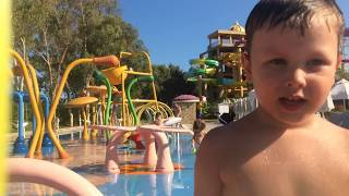 детки в детском аквапарке отель Дельфин би гранд.