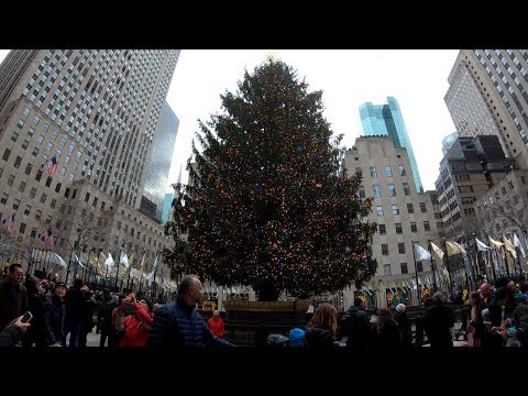 ⁴ᴷ⁶⁰ Walking NYC: Rockefeller Center Tree & Promenade on Christmas Weekend