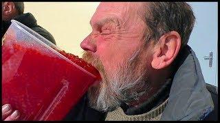 На что готов мужик ради 300 руб / 3 кг. Красной икры Жесть !