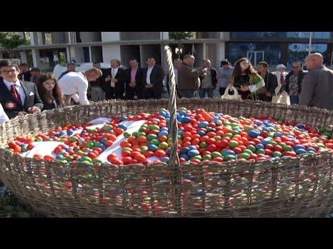 Report TV - Pashkët të veçanta në Lezhë festojnë të krishterë e mysliman