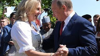 Putin dances with the bride at Austrain Foreign Minister's wedding