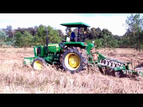 รถไถ คูโบต้า จอห์นเดียร์ ไถนา ไถกลบตอซังข้าว Kubota & John deere Tractor