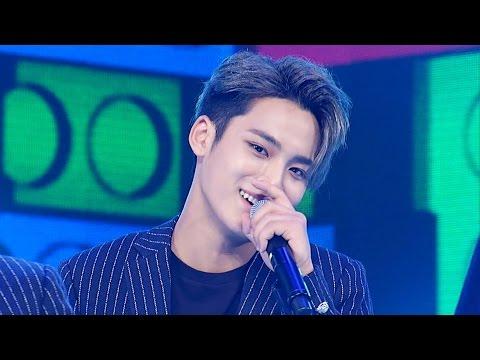 ENG] 141023 BTS React to WAR OF HORMONE mv - Korean pop