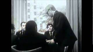 """Фрагмент фильма """"Рожденная революцией"""""""