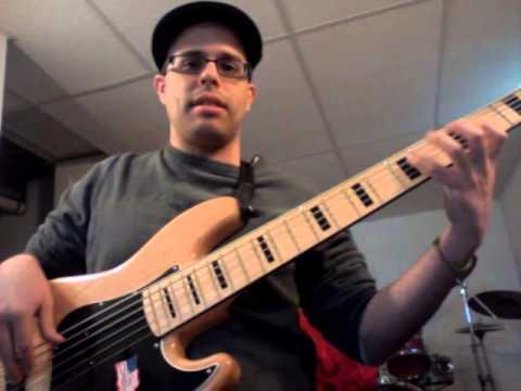 Rene Gonzalez reviews his new SX Ursa 2 jazz bass