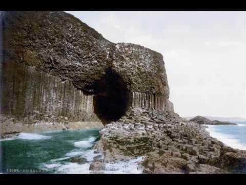 La cueva de Fingal, en  la isla de Staffa, los Hebrides, Escocia