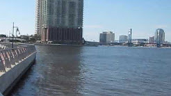 Unedited clip of the St Johns River near downtown Jacksonville Fl
