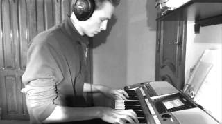 U2 - Still haven't found what i'm looking for (on keyboard!)