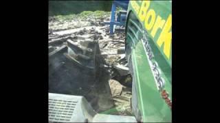 Bork Fendt 936 op Soucy Tracks met spit-zaaicombinatie.wmv