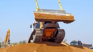 Liebherr PR 736 – new crawler tractor in Dangerous Action! Big Dozer.