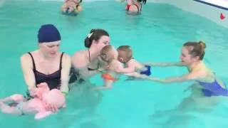Плывем друг к другу-Обучение плаванию в бассейне в Минске для детей (Курсы,Секция,занятия)