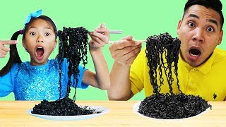 Wendy Pretend Play Wants to Eat Black Noodles
