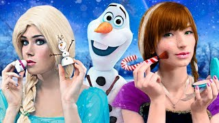 9 DIY Frozen Elsa Makeup vs Anna Makeup Ideas / Makeup Challenge!