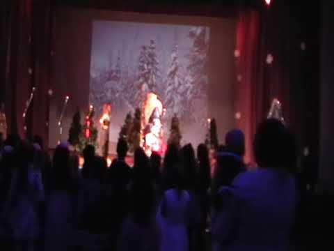 """Новогоднее  театрализованное   представление   для детей  """"Баба  Яга и  Новый Год"""""""