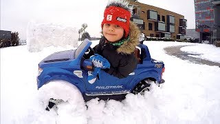 The Car Stuck in the Snow | I am Driving in My Car Song | Ride on Power Wheels Battery Powered Ford