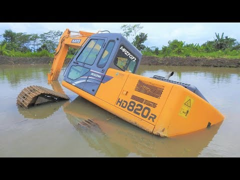 Excavator Stuck And Sink Heavy Recovery Kato HD820R Extended