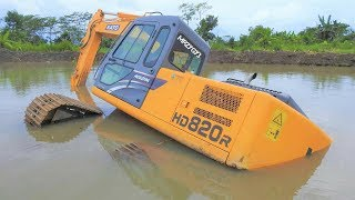 Excavator Stuck And Sink Heavy Recovery Kato HD820R Extended thumbnail