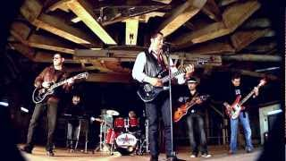Noviembre Rock Band - Hotel California - www.videoclipdeluxe.com