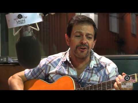"""<h3 class=""""list-group-item-title"""">Guillermo Fernández en los cuarenta años de La Noche con amigos</h3>"""