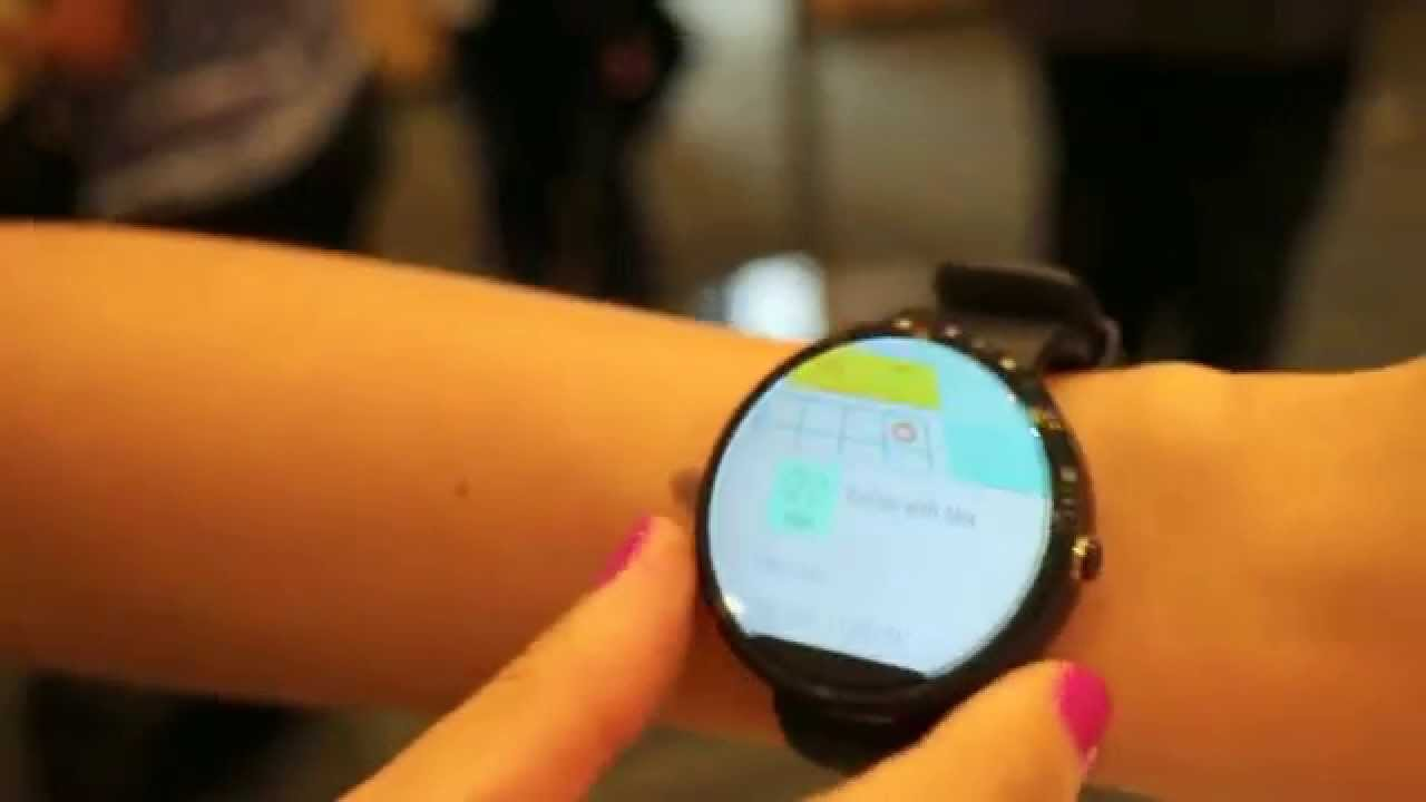 Hands-on: Moto 360 with Android Wear - YouTube